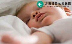 宝宝和大人一块睡好吗